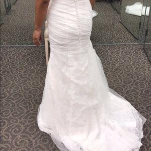 Like new beautiful wedding dress